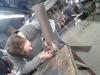 Montage van de wieken aan de naafdynamo