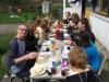 Gezellig in de zon eten tijdens de cursus