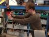 Het platknijpen van de vaanarm op de plaats waar de rotor gemonteerd gaat worden